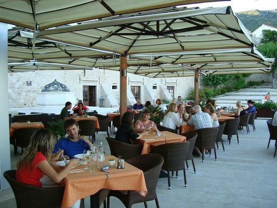 Equinox, Bol: open air terrace