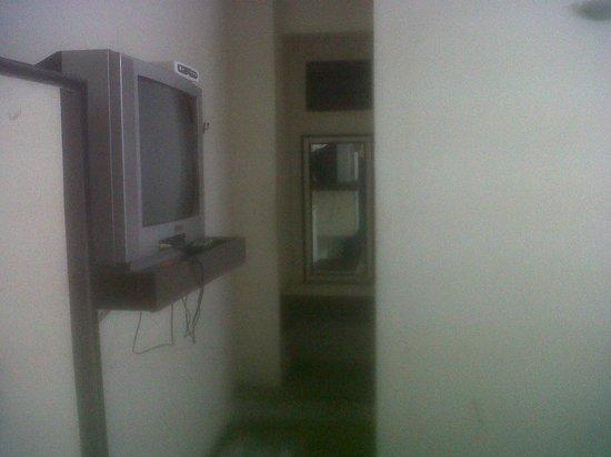 Hotel Maya Deluxe: Inside the room