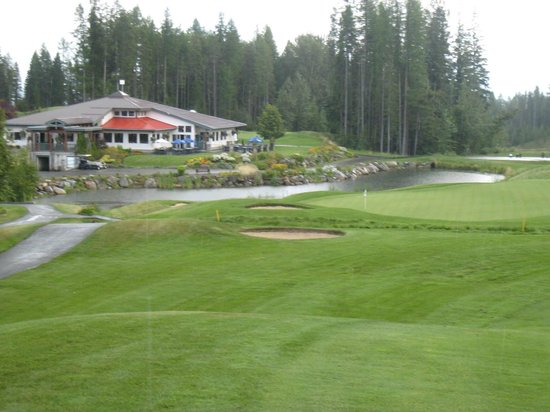 Trickle Creek Golf Course: #18 coming home