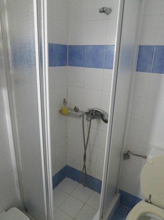 Porto Scoutari Romantic Hotel: Shower