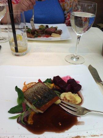 Belmond Le Manoir aux Quat'Saisons: Light lunch....