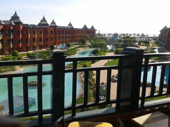 Dreams Beach Marsa Alam : View from room: lake, 6 pool & the sea