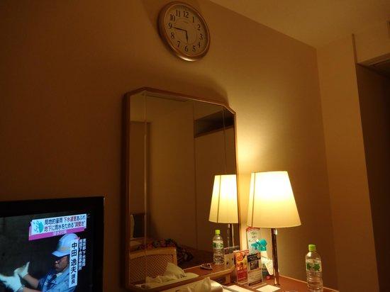 Okura Hotel Takamatsu: 大きな掛時計