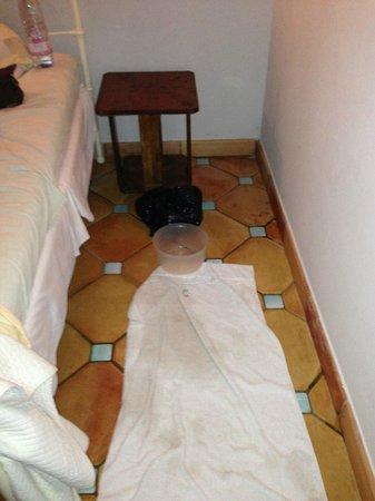 La Chapelle de Saint Pierre : Fuite dans chambre