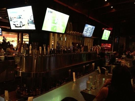 Yard House: The 115 draft beers