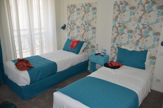 Hotel Villa Bohème: Kamer met twin beds, goed uitgerust