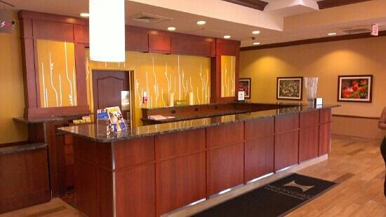 Hilton Garden Inn Chicago O'Hare Airport: front desk