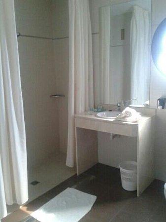 Hotel Avant Aeropuerto: ducha