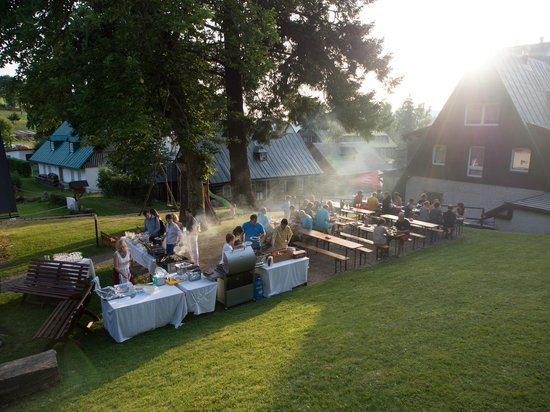 Hotel Stary Mlyn: The hotel staff organized an outdoor barbecue for us
