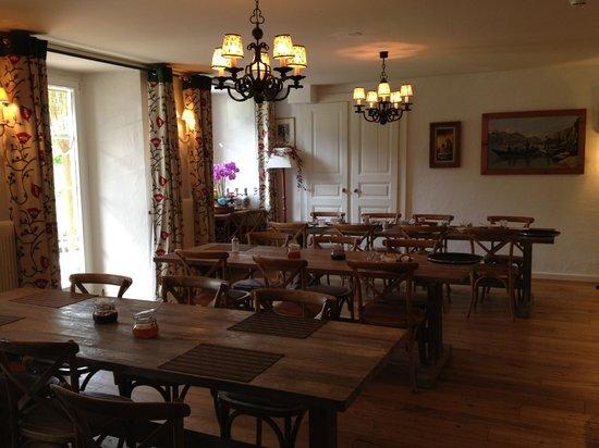 Hotel du Pillon: Salle du petit déjeuner