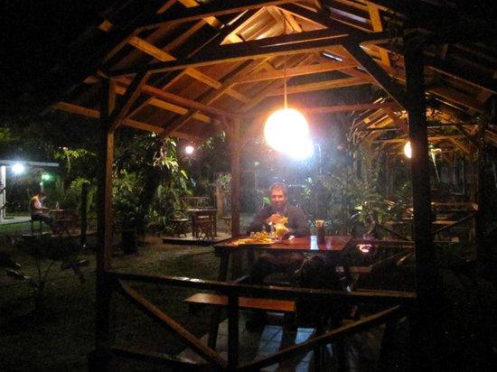 Cabinas El Icaco Tortuguero : restaurant waar je zeker heen moet!!