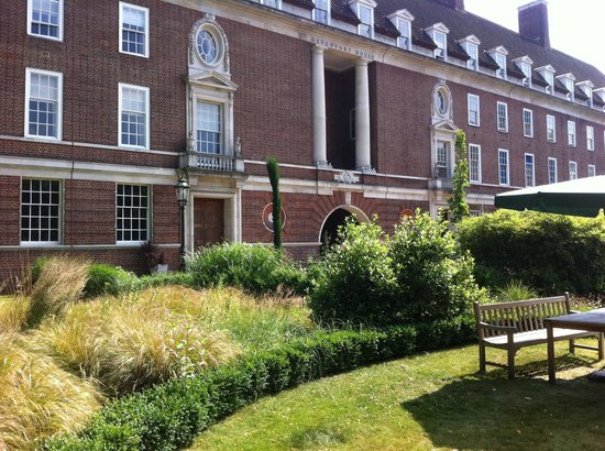 Devonport House: What a great location