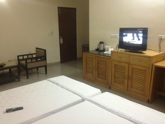 GenX Uday Hotel Rudrapur: Bedroom View 2