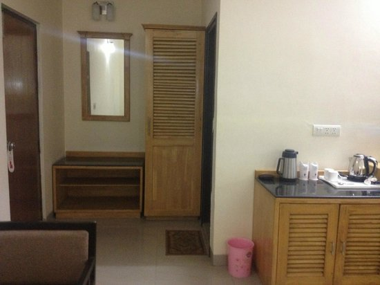 GenX Uday Hotel Rudrapur: Bedroom View 3