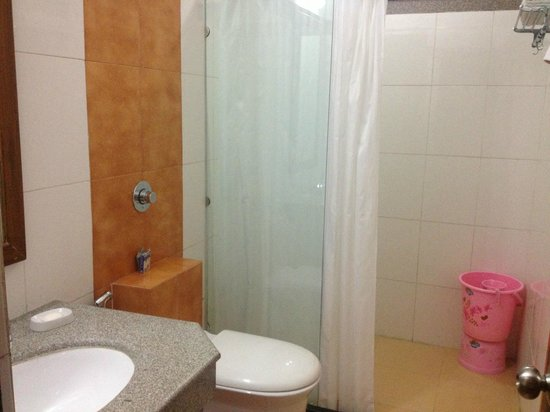 GenX Uday Hotel Rudrapur: Wash Room