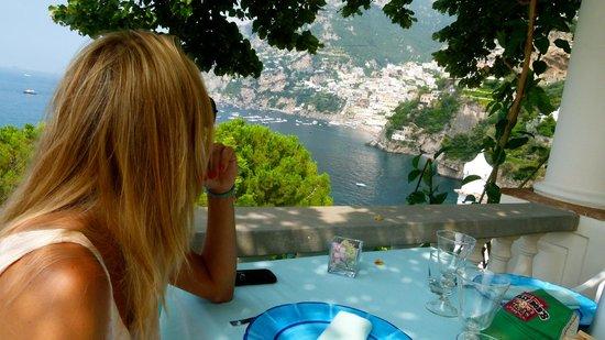 Villa Tre Ville: Vistas de Positano desde el comedor.