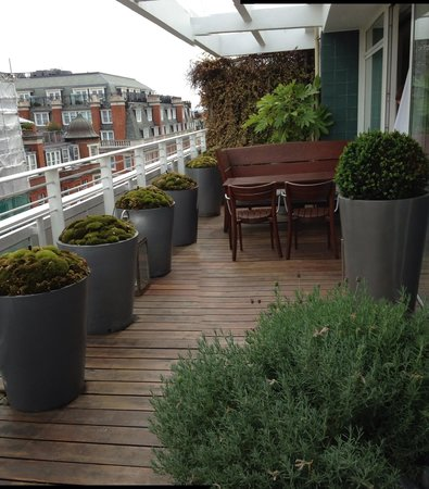 Sanderson London Hotel: Had too much fun on this balcony!