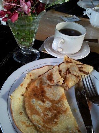 Bunaken SeaGarden Resort: Banana pancake during breakfast