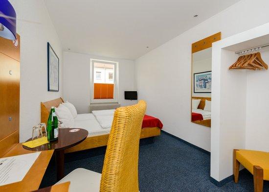 City Hotel-Pension Brandenburg: Komfort Zimmer als EZ o. DZ