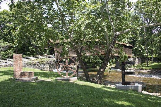 Humpback Bridge: Virginia IS for Lovers