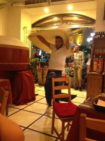 Pizzeria Trattoria: pizza show