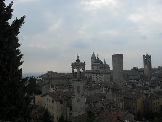 Botton d'Oro B&B : Skyline from viewpoint
