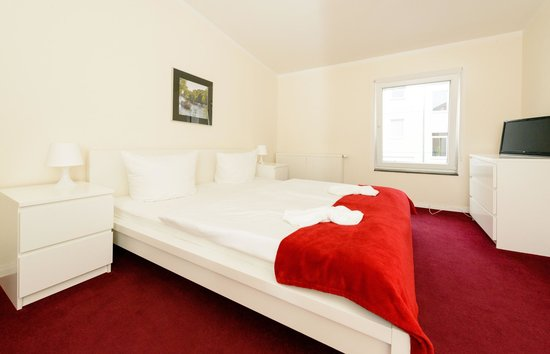 City Hotel-Pension Brandenburg: Apartment / Schlafzimmer