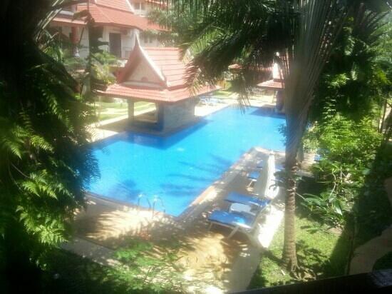 Sai Rougn Residence: vue d'un appartement sur la piscine