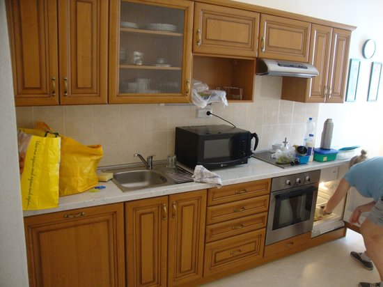 Hotel & Residence Royal Standard : kitchen - well equipped