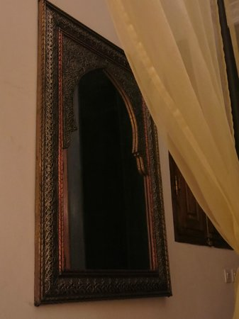 Riad Jonan : Mirror