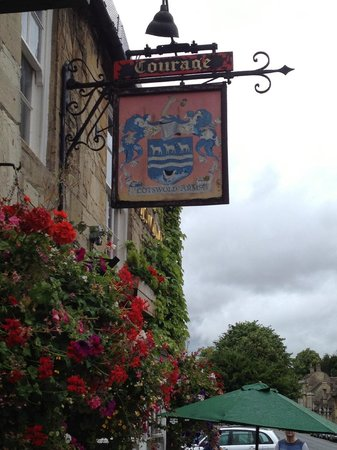 The Cotswold Arms: sign at the entrance