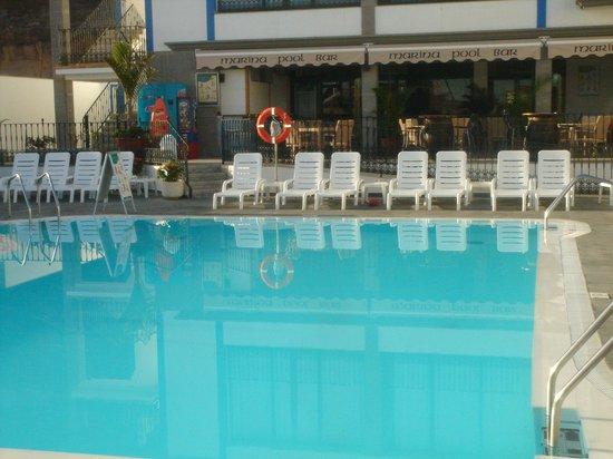 Marina Pool Bar Restaurant: Main Pool