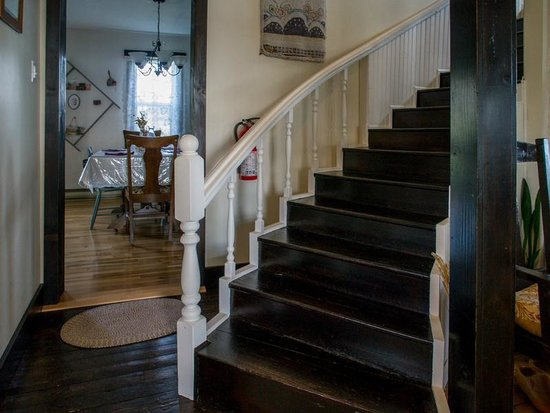 Quintal House Heritage Guest Home: Staircase to bedrooms