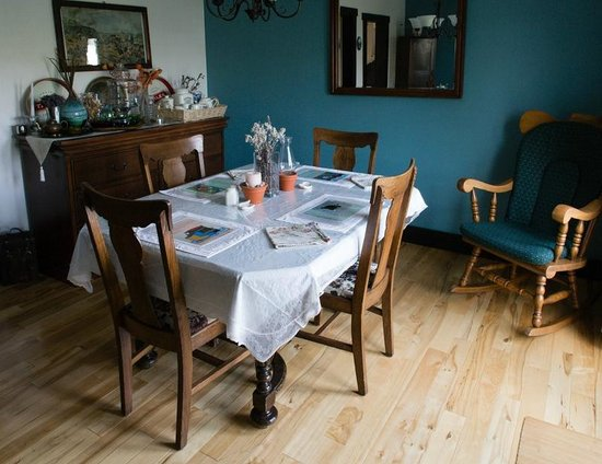 Quintal House Heritage Guest Home: Dining Table 1