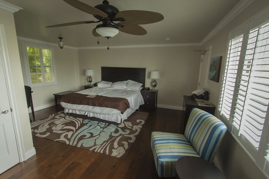 Beach Bungalow Inn and Suites : Comfortable King Bed