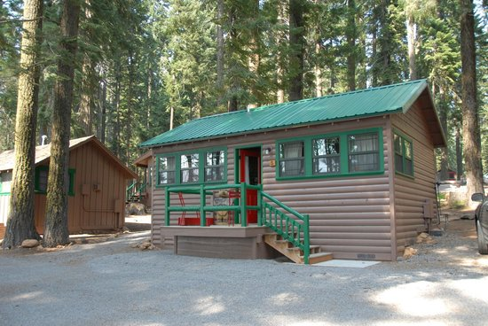 Good night picture of lake of the woods resort klamath for Cabin in the woods oregon