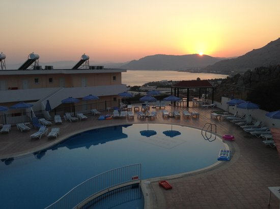 Hotel Ziakis: Killer sunsets
