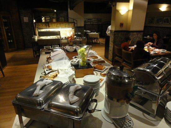 NH Bariloche Edelweiss: Café da Manhã, bem servido.