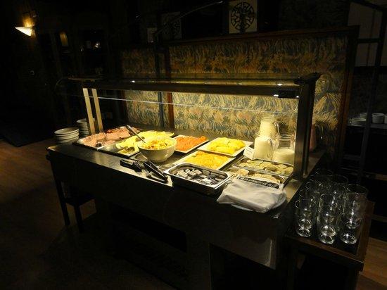 NH Bariloche Edelweiss: Café da Manhã.