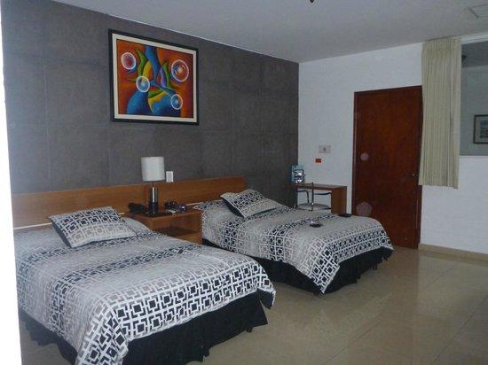 Hotel Arbol de Suenos: Habitación con camas simples