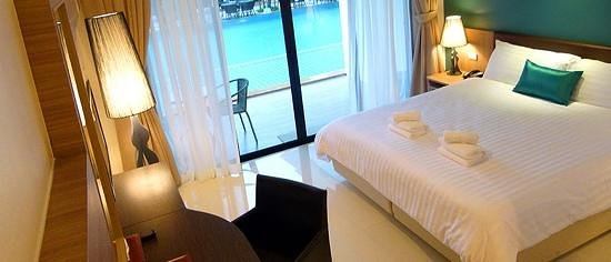 The Pago Design Hotel Phuket: inside the room (picture from the website but it just look like this in real :)