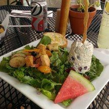 Simonsen's Bakery & Cafe: Chicken Salad -- Simonsen's Style