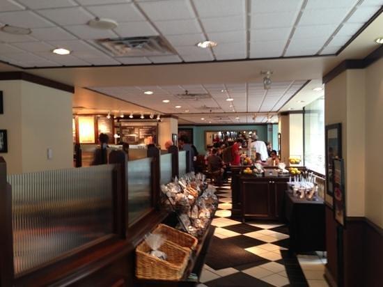 Corner Bakery - 14th St. NW: entrance