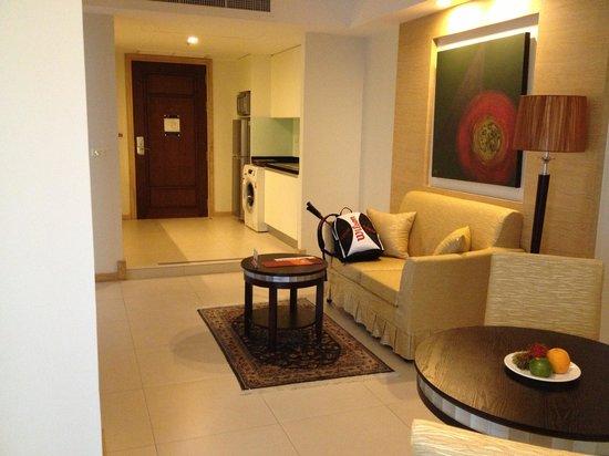 Suite (Wohnzimmer, Küche, Eingang) - Bild von Adelphi Grande ...