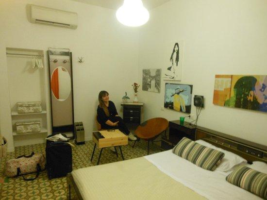 Retrome Rome: room