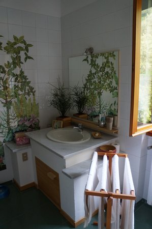Il Bogno B&B: AMAZING Bathroom you have never seen before!!!
