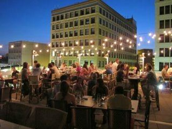 The Rooftop At Night Picture Of Union Restaurant Minneapolis TripAdvisor