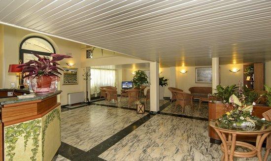 Hotel Katy: Hall