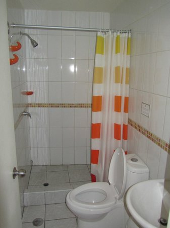 Estela De Oro: The bathroom is not the best, but its ok!
