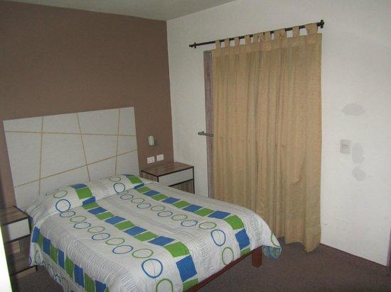Estela De Oro: Clean and Comfortable bed